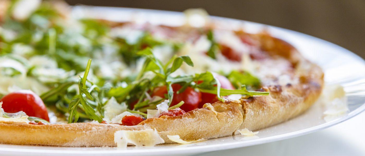 Vegane und vegetarische Pizza – Mayr\'s Bistro in Planegg bei München
